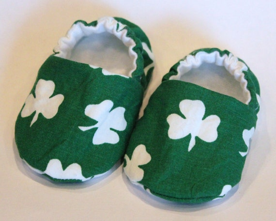shamrock baby shoes