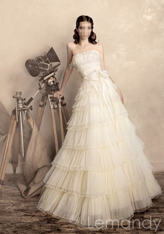 classic strapless princess folds tulle wedding gown with bow
