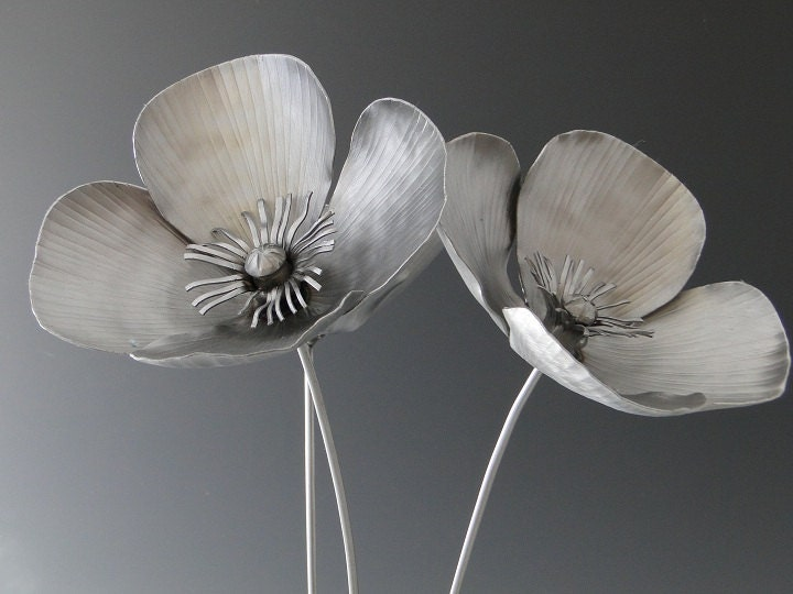 Metal Poppy sculpture via Etsy: NatureofSteel