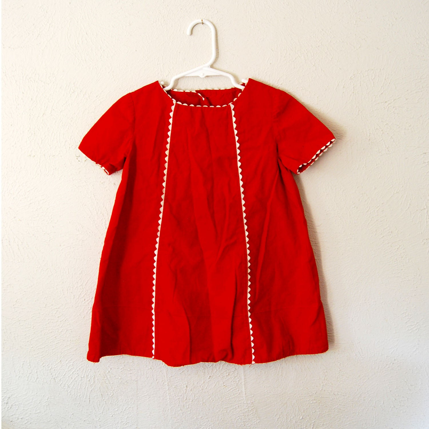 vintage mod handmade red dress with white trim - olliesvintage