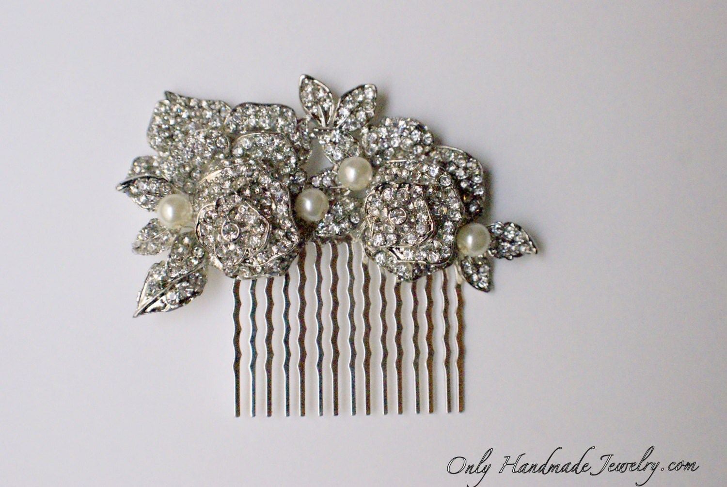 Bridal flowers hair comb. Vintage style crystal wedding hair piece.  Bridal head piece crystals roses. Bridal party. Bridesmaids gifts