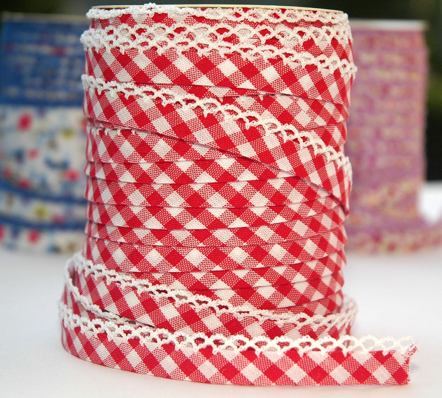 Bias Tape  Double Fold  Red Gingham Cotton and Lace Crochet - HollandFabricHouse
