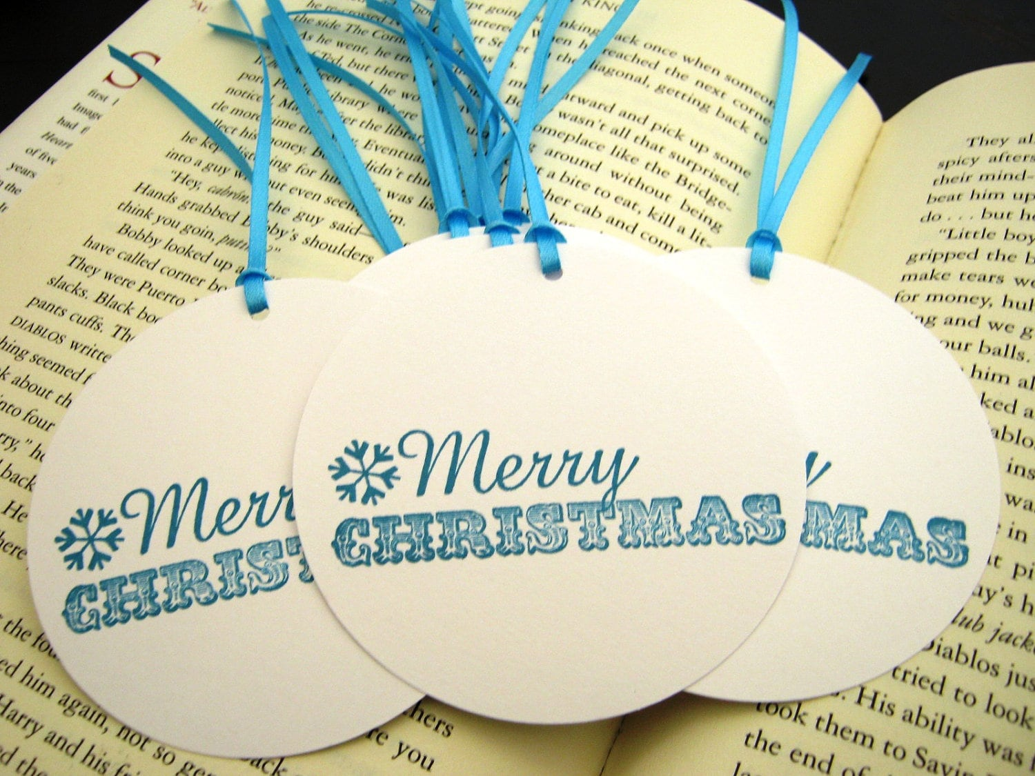Merry Christmas Teal Blue Snowflake Circle Christmas Holiday Gift Tag Labels// Set of 10 - SnazzyCardCreations