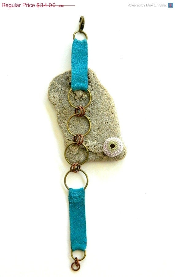SALE Four Ring Turquoise Leather Bracelet (B792T)