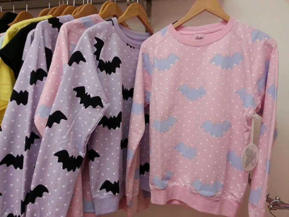 Hello Cavities Twinkle Twinkle Bat Sweatshirt in PINK