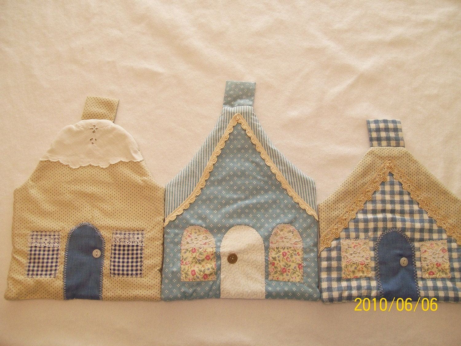 Set of 3 Cottage Pot Holders in Blue and Tan