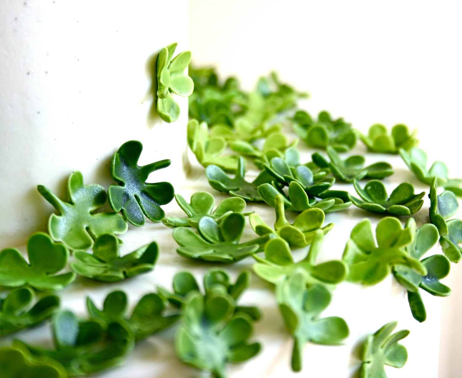Edible Lucky Clovers / Shamrocks -Cake Embellishment -200 - andiespecialtysweets