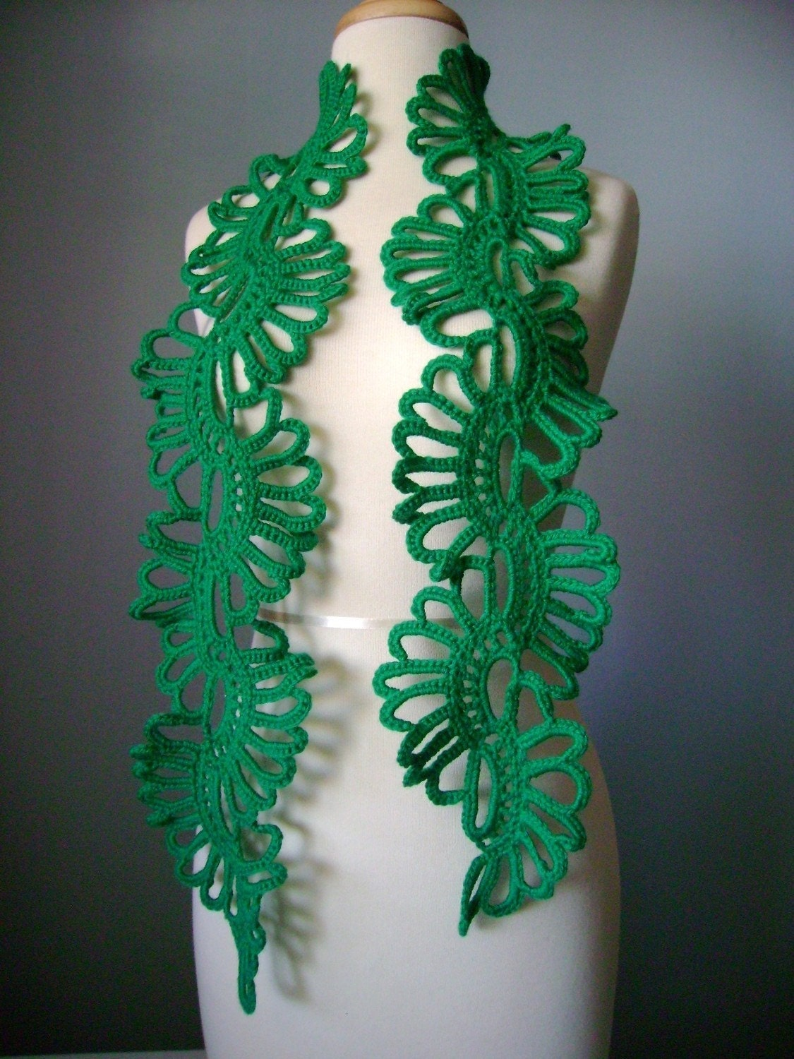 Crochet Green  scarf  neckwarmer lace wool Emeral epictt teamb  tpt team etsy team  HMET