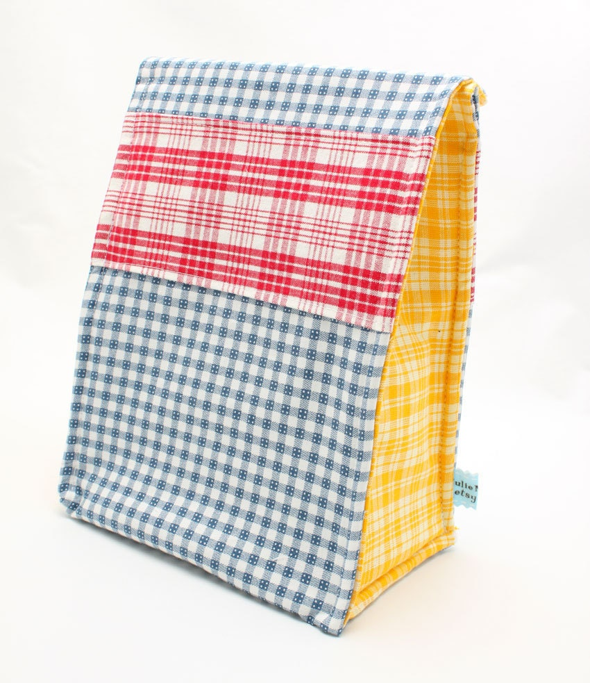 Picnic Bag in Primary Plaid Eco Insulated Lunch Bag - JulieMeyer