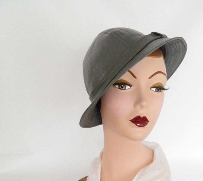 Leather slouch hat, 1970s gray vintage - TheVintageHatShop