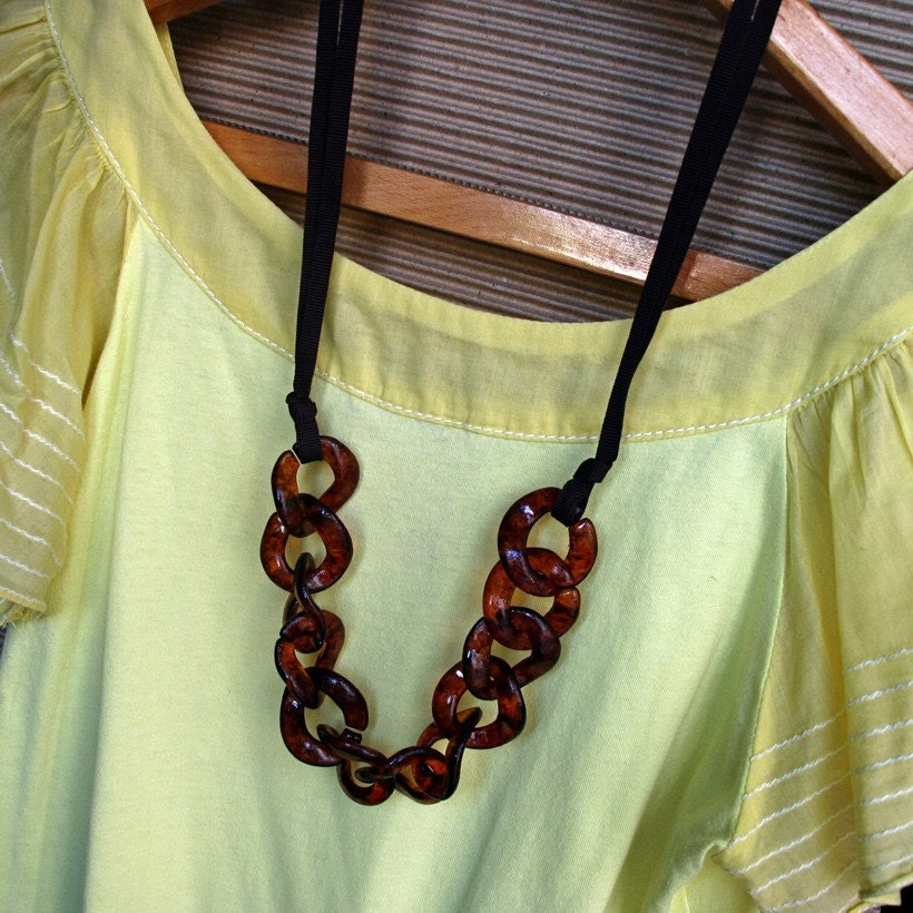 Ribbon N Tortoise Shell Chain Link Statement Necklace no.3 - pebblesB