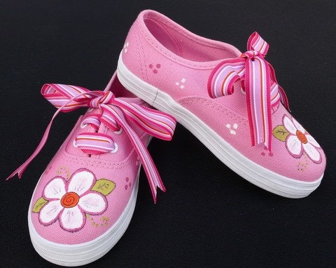 Hand Painted Flowers On Pink Canvas Lace Up Shoes