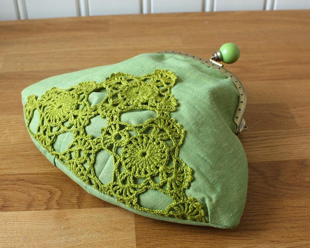 муфта с зеленого яблока хлопка и старинные кружева