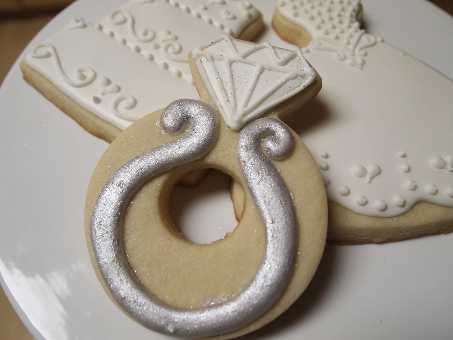 ring shaped cookies wedding inspiration