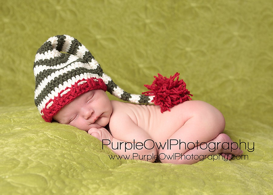 Christmas Stocking Cap (Elf Hat) in Antique White, Deep Green, and Deep Red - Size Newborn