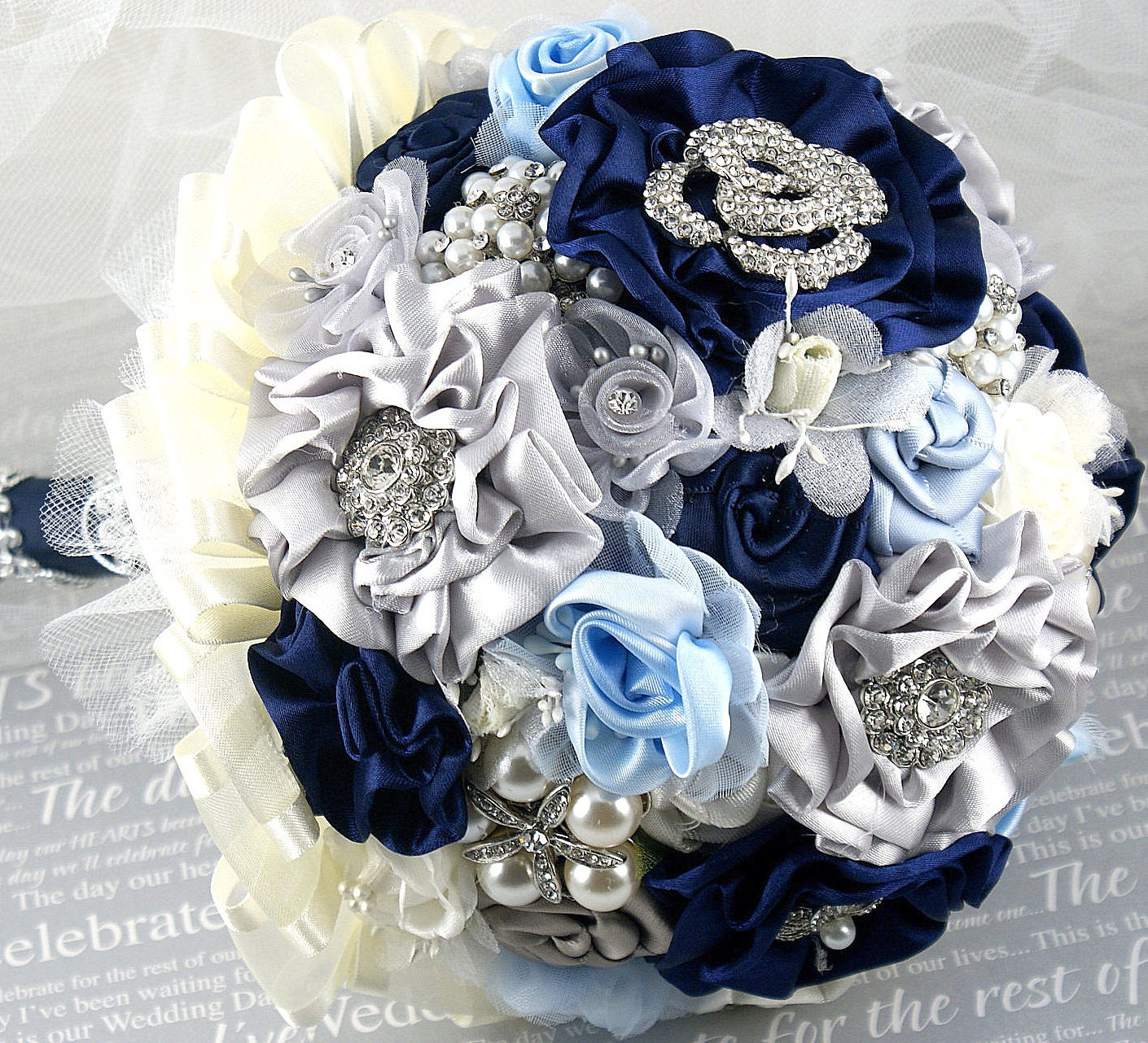 Брошь букет Свадебный букет синий, слоновая кость, серебро и Powder Blue - Что-то синий