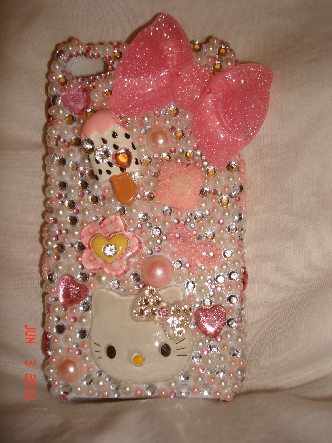 Pretty in Pink Hello Kitty phone case (kawaii)