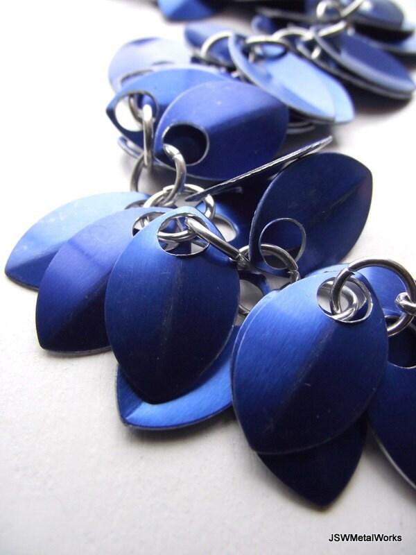 Cobalt Blue Small Scale Shag Bracelet, Aluminum Bracelet, Scalemail, Chainmail - JSWMetalWorks