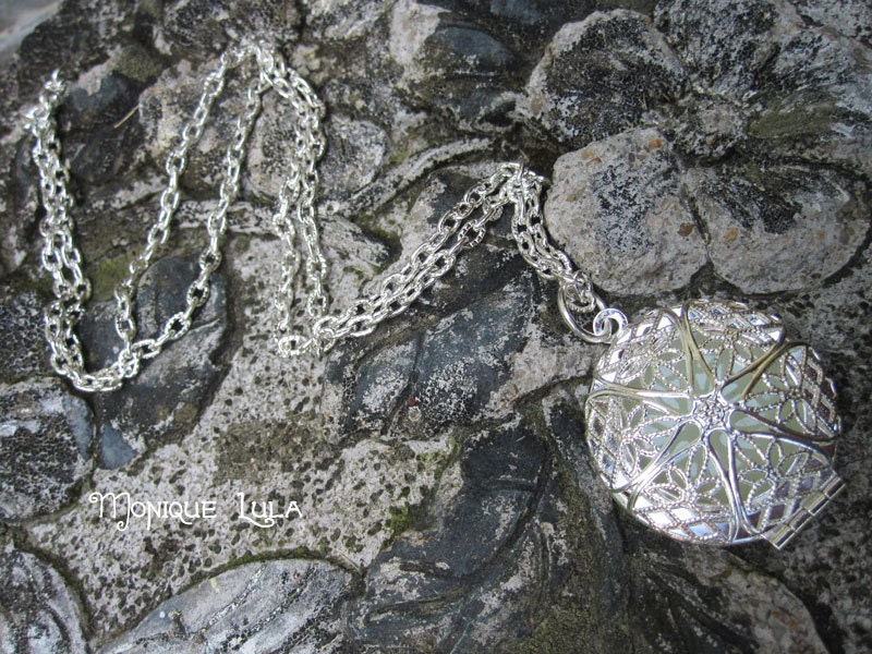 Green Glow Silver Filigree Locket