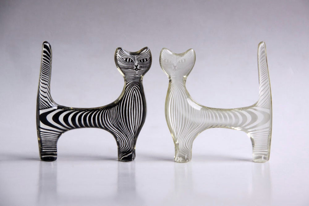 Abraham Palatnik Set of Two Lucite Cat Figurines - 60s - 1001vintage