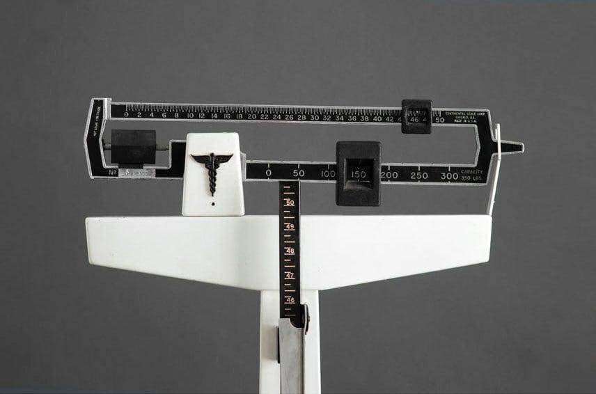 Vintage Doctor's Scale - Mid Century Modern, Metal, Retro, Industrial - Hindsvik