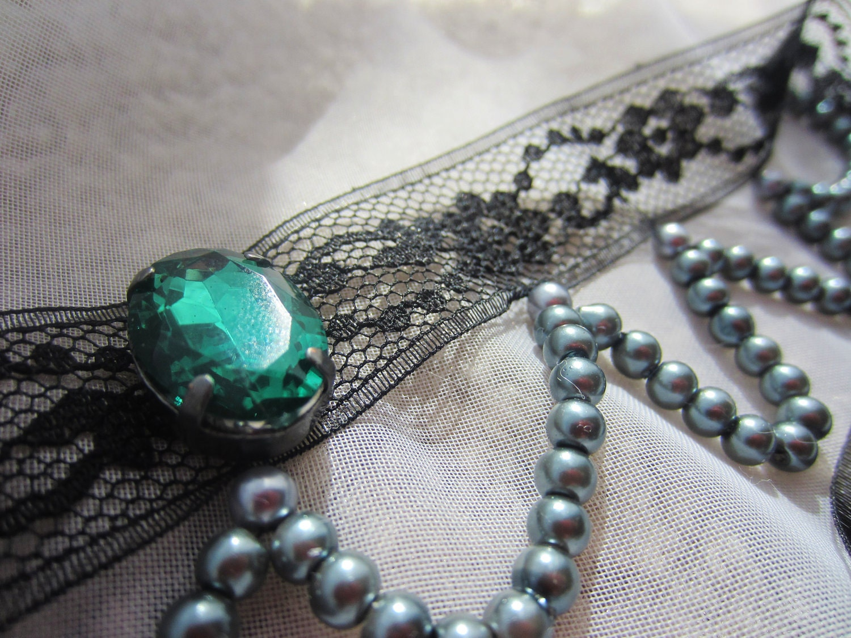 Choker: Mystic Emerald and Lace