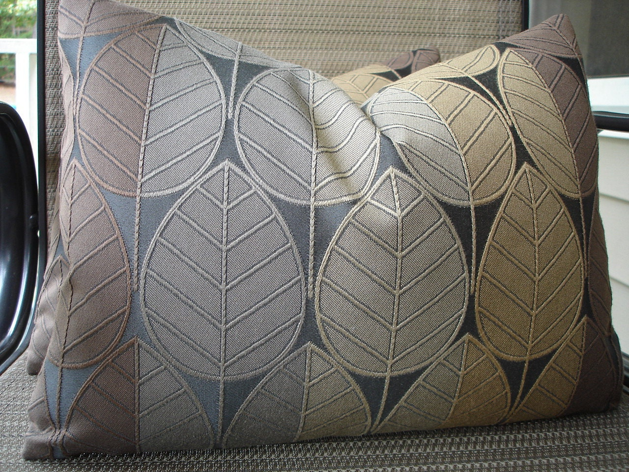 "One Pair 12"" x 16"" Handmade Leaf Pillow Covers"