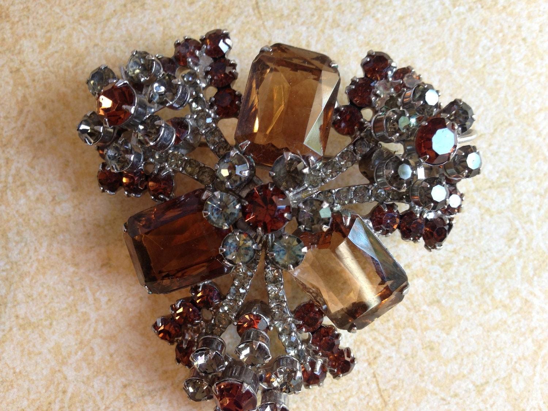 Vintage D & E Juliana rhinestone brooch - JNPVintageJewelry