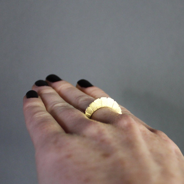 Gold Halo Ring / forged brass ring with radial pattern, unique primitive form & dappled texture / metalwork jewelry - SOFTGOLDSTUDIO