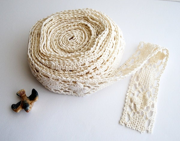 Light Ivory Crochet Lace, Vintage Crochet, Cotton Trim - honeyandsea