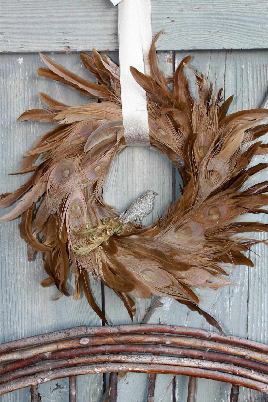 Красивый Золотой Павлин перо Taupe венок со съемными овсянки цветной лентой