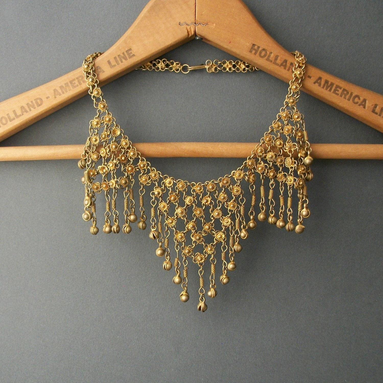 1930s Chain Bib Necklace . Statement . Three Triangles . Bell Fringe. - pinguim