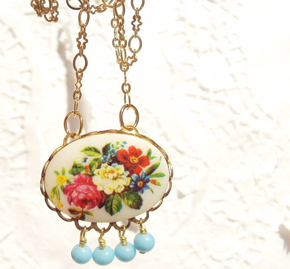 Vintage Floral Cameo Necklace - Whimsy - Whimsical - Romance - Bridal