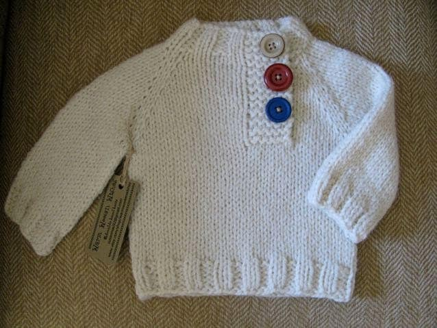 Baby Pullover in cream
