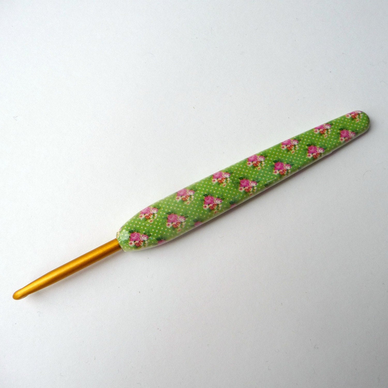 Crochet Hook - Ergonomic - Vintage Green Posies