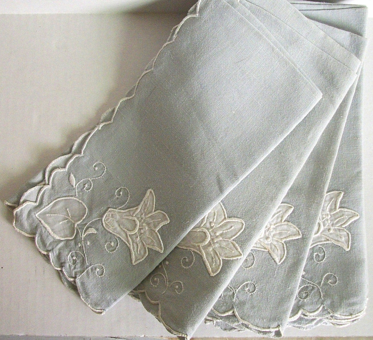 A Set Vintage Linen Table Napkins - VintageHomeShop
