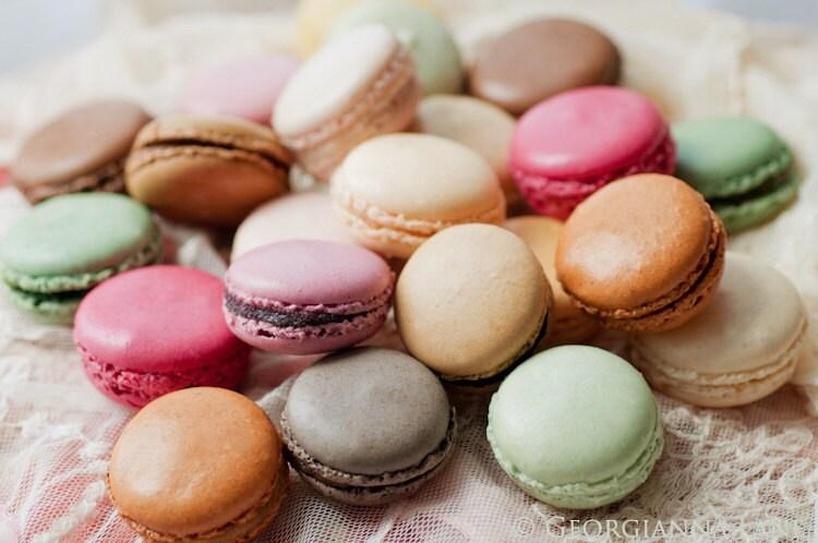 Paris Photo - Macarons - французская кондитерская, Artisan пекарня, Цветной декор дома, Париж Франция