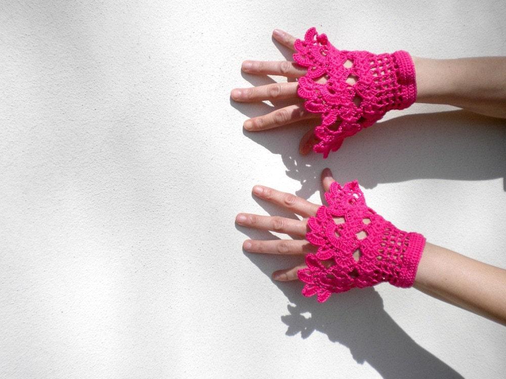 cuffs handmade in cotton crochet for very romantic girl - set of 2 - MADE TO ORDER - verityunmondoaparte