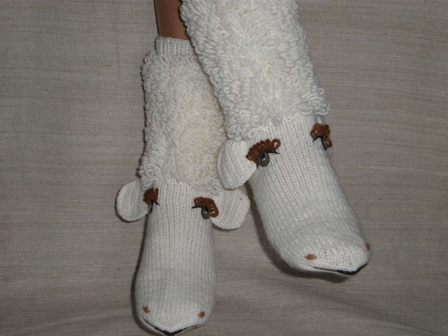 Hand-knitted white color baa-lamb women socks