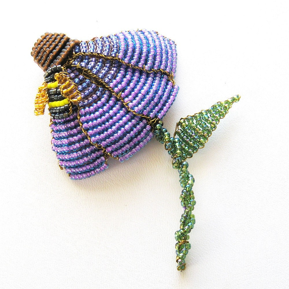 Cone Flower Brooch with Honey Bee - BeadedNature