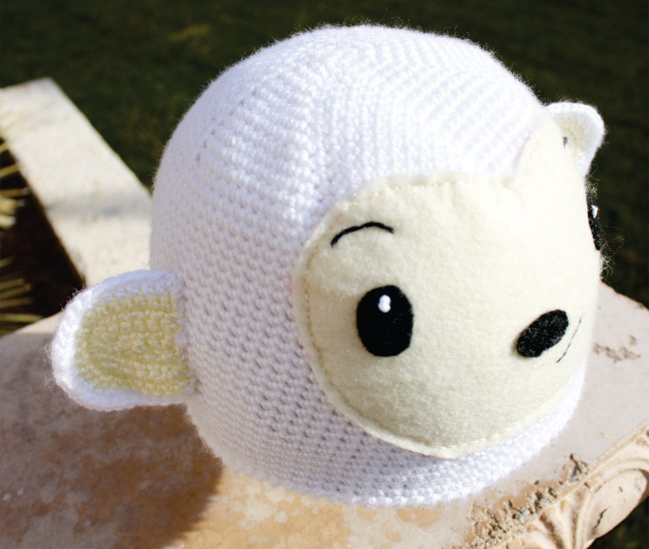 White Monkey Hat:  Sweet Hoho -ish Monkey Crochet Beanie Hat