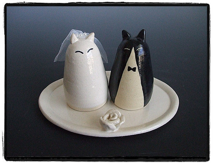 Wedding Cake TopperWhite Cat Bride and Tuxedo Cat Groom with Tray
