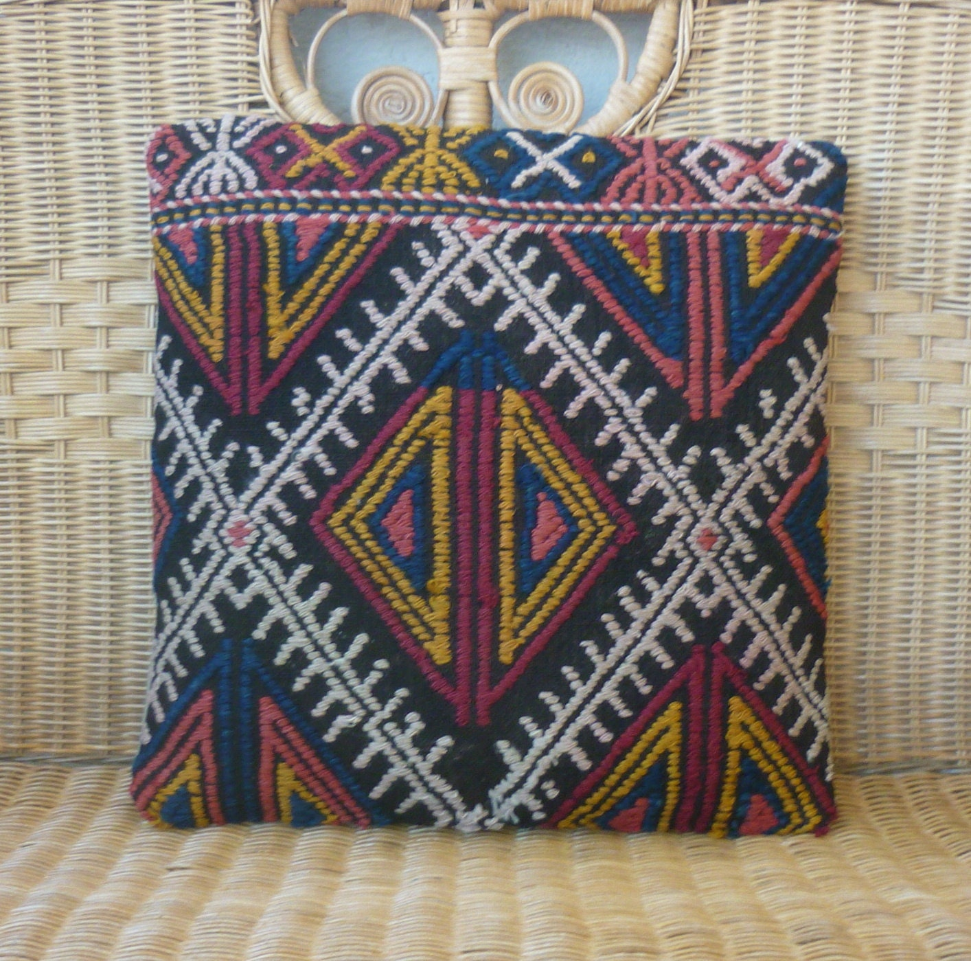 "MODERN Bohemian Home Decor ,Turkish Wool Kilim Pillow Cover 16""x16"",Tribal Pillow,Vintage Kilim Pillow,Kilim Ebroidery Pillow,Throw Pillow."