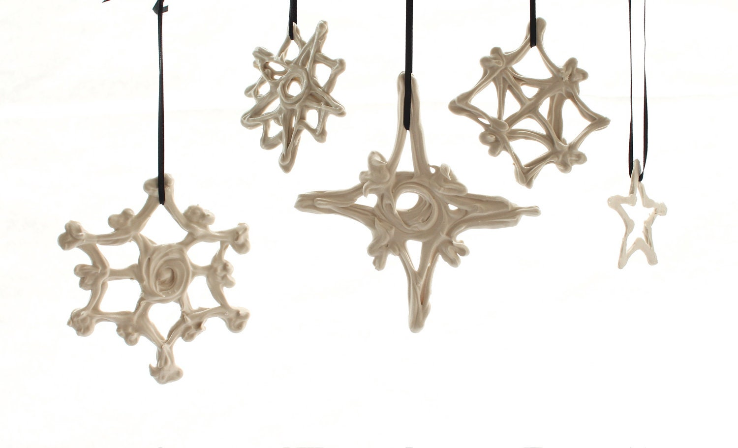 Stars and Snowflakes: Set of 5 Hand-Drawn Porcelain Ornaments - LandMstudio