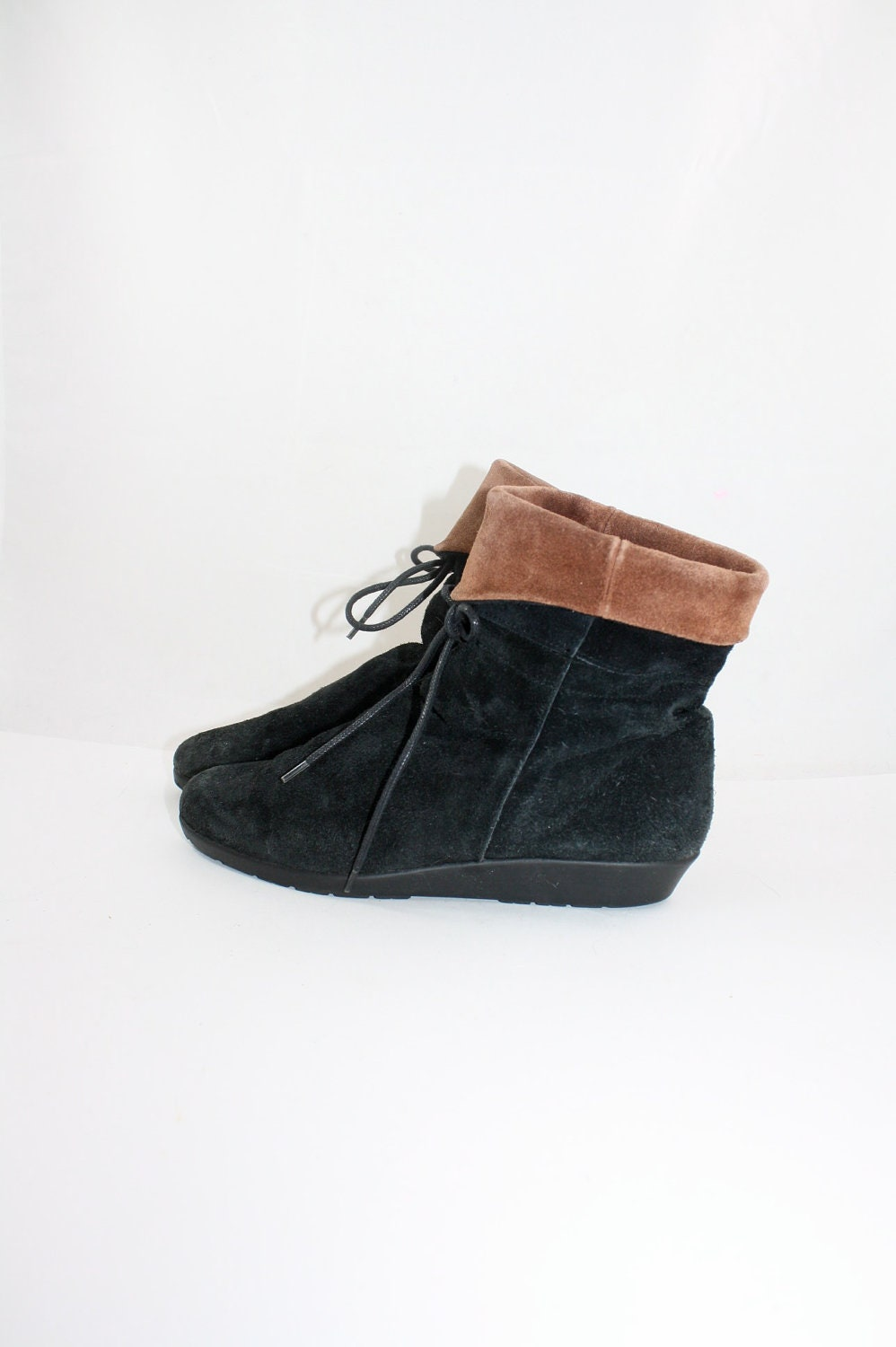 vintage 1980's black n cocoa suede ankle boots 6 - WindingRoadVintage