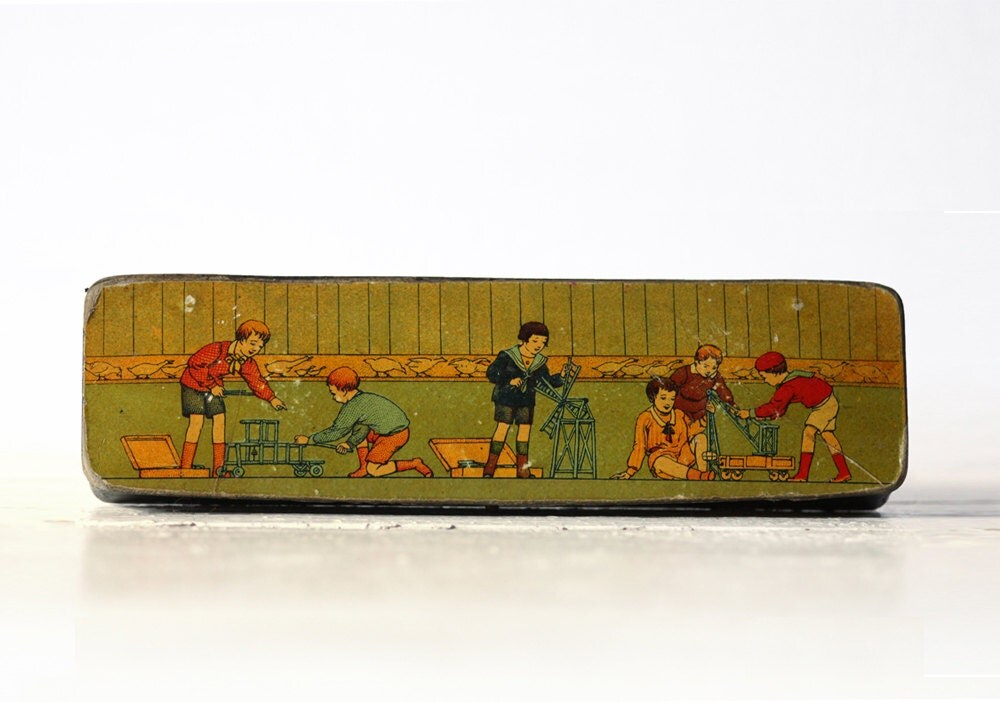 Very decorative Antique french Wooden SCHOOL PenciL BOX with CHILDREN - RueDesLouves