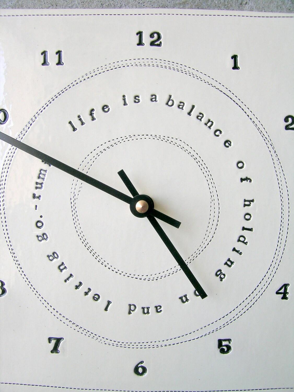 Часы 8x8 руми цитаты.