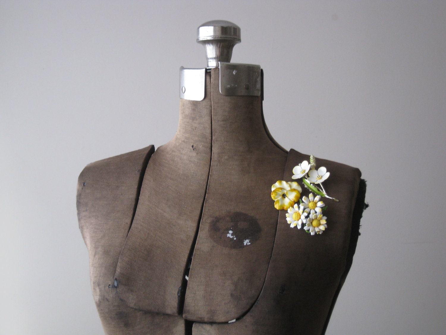 Three Yellow Flower Brooches - oldarchetype