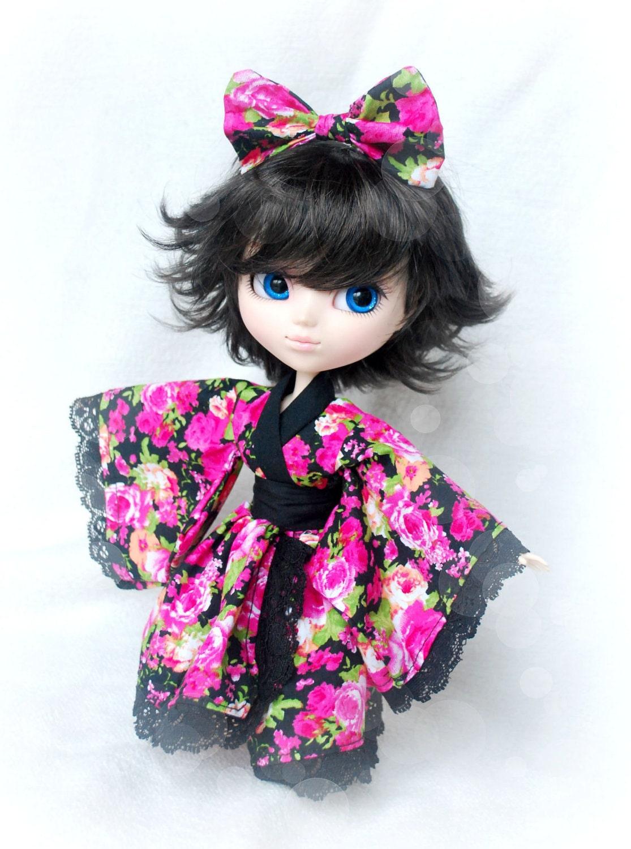 Pullip Kimono and Bow - Fuschia Floral