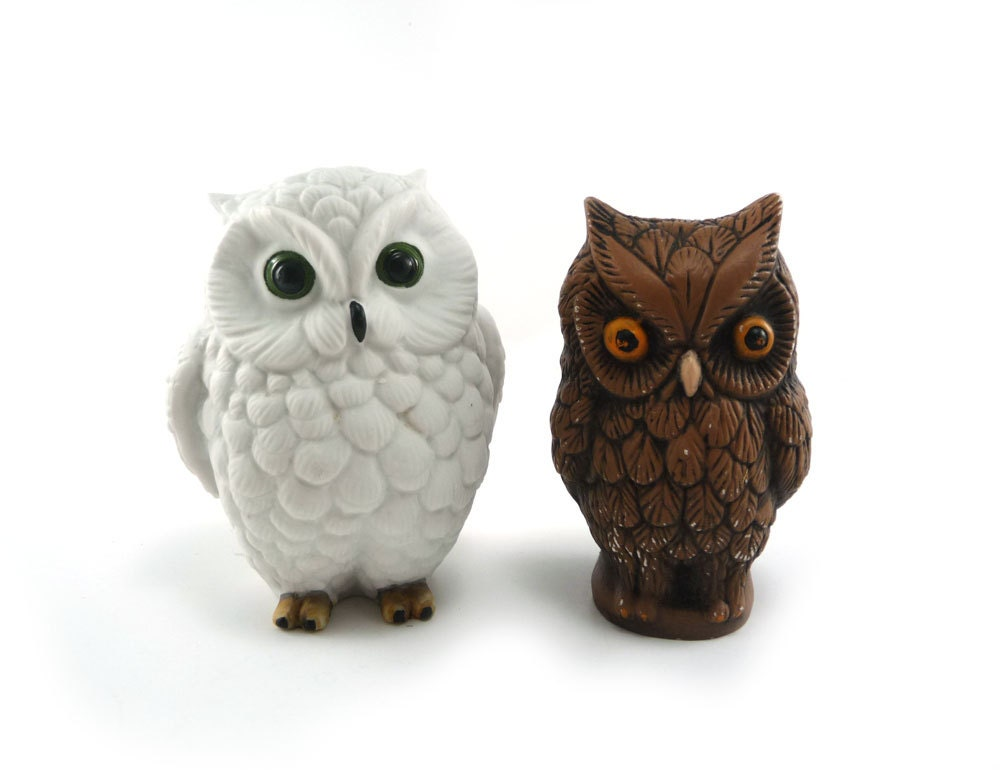 Vintage owl figurines - pair of brown & white Halloween owls home decor - reconstitutions